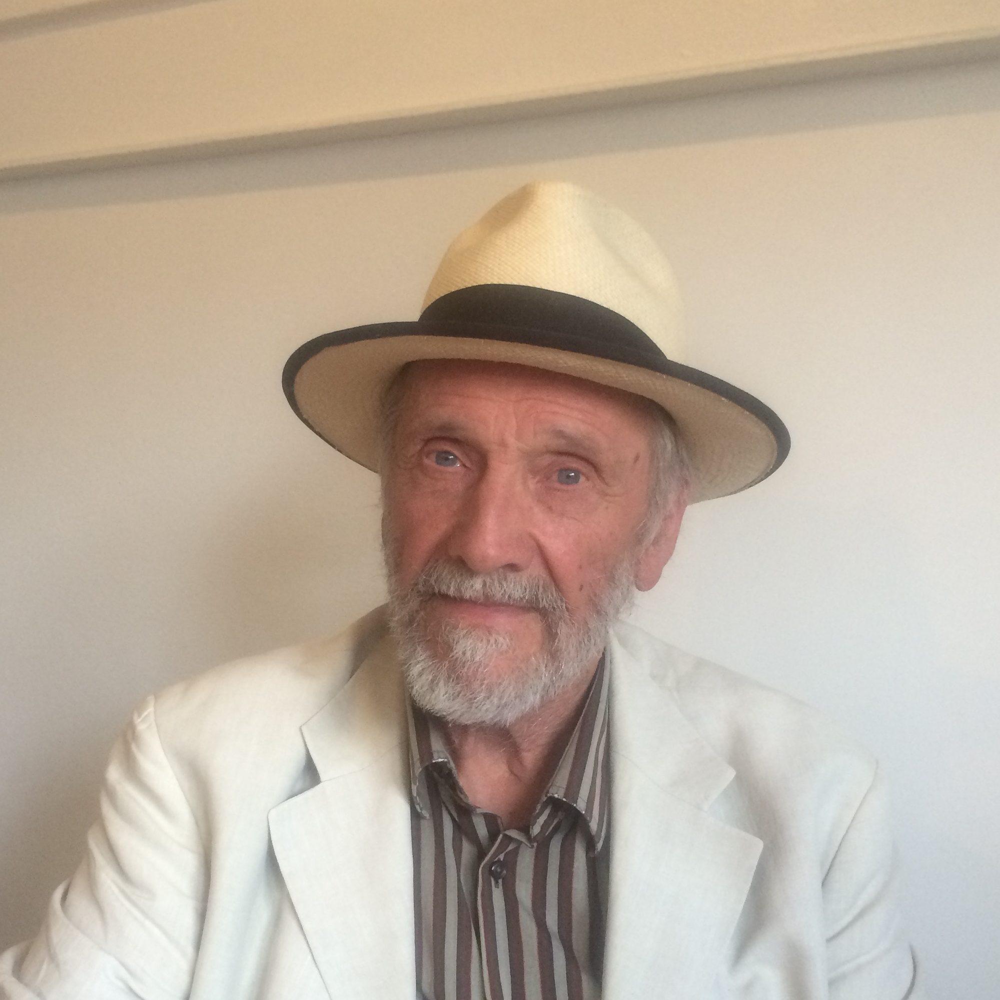 Profil - John K. Olliver